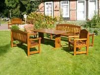 Holzmöbel aus eigener Produktion